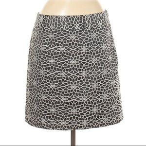 NWT Ann Taylor Black White Floral Skirt Size 10